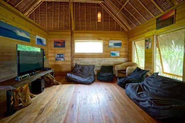 botik-resort-mentawais-surf-trip-playground-kandui-game-room-09-620x413