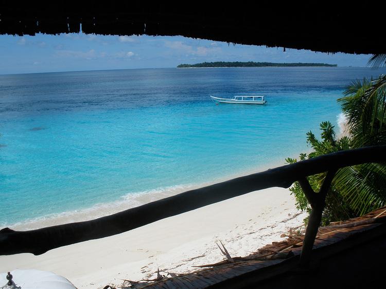 botik+resort+mentawais+bungalows+2 (1)